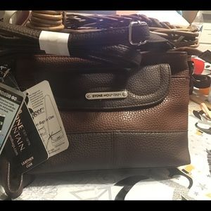 Stone Mountain Pebble Leather 3 Bagger Crossbody